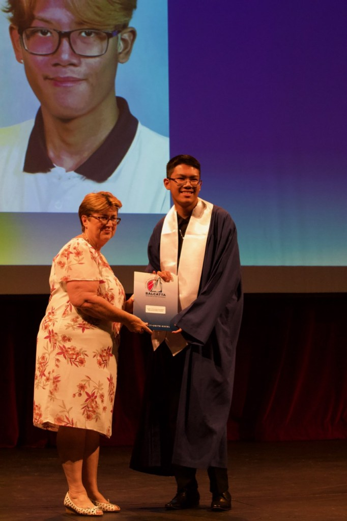 Harvey Ma receiving the Curtin University/Principal's Recommendation Award